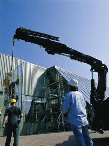 Heising av maskin med kran